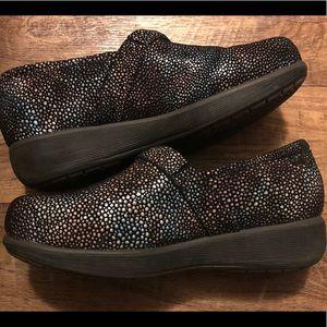8.5W - SoftWalk Grey's Anatomy Meredith Rose shoes